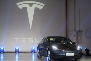 Тесла модель 3