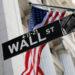 Уолл Стрит закрылась разнонаправленно накануне отчета Apple